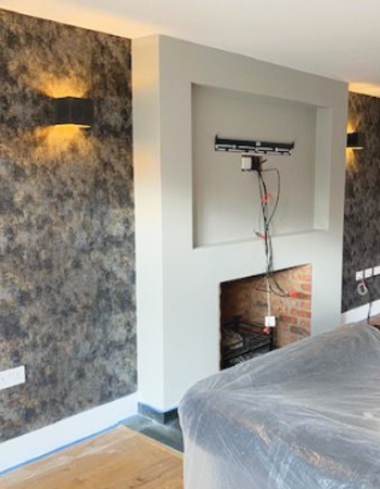 feature-wall-wallpaper-decorating-services